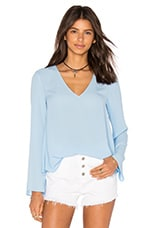 Long Sleeve V Neck Blouse en Bleu Illusion