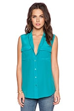 Slim Signature Sleeveless Blouse in Blue Grass