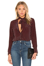 Kate Moss for Equipment Collarless Slim Signature Blouse en Rouge Foncé