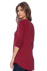Long Sleeve V Neck Top in Heather Crimson
