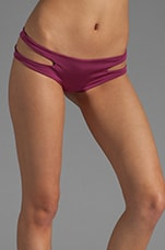 Seamless Cut Away Sides Bottom in Magenta