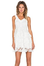 ROBE COURTE LAYERED LACE
