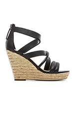 Robina Wedge in Black