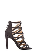 Evin Heel in Black