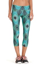 Synergy Capri Legging in Oasis