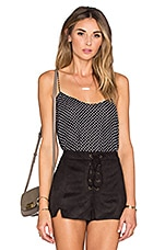 x REVOLVE The Cami Blouse en Pois Noir