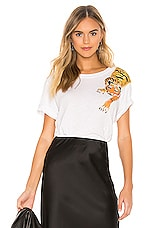 Le Superbe Scratching Tiger Tee in White