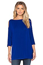 Wide Neck Cold Shoulder Tunic en Adriatic