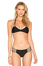 Banyans Skinny String Racerback Top en Night