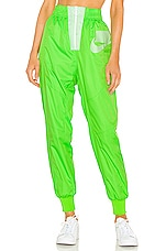 Nike NSW NSP Pant in Vapor Green, Green Strike & White