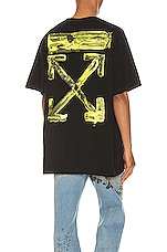 OFF-WHITE Acrylic Arrows Tee in Black & Yellow