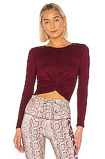 onzie Twirl Top in Merlot