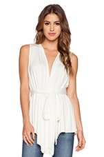 Sleeveless Rollo Top en Blanc