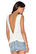 Sleeveless Castaway Top en Blanc