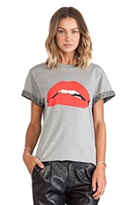 Printed Lips Tee in Grey