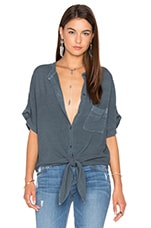 Shirley Top en Dark Denim Blue Sandy Rayon