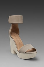 X Gypse Sandal Wedge in Light Grey