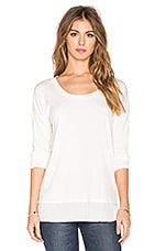 Feather Rib Cozy Jersey Long Sleeve Tee en Blanc Doux