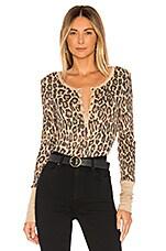 Splendid Forever Henley in Warm Sand Leopard