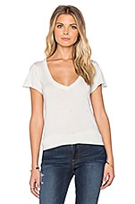 T-SHIRT STONE WASH V-NECK TEE
