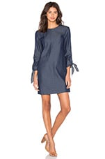 Tie Sleeve Dress en Steel Denim