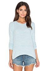 Robina Cozy Heather Long Sleeve Top en Powder Blue