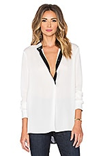 Color Tipped Blouse en Blanc & Noir