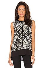 Basketweave Print Double Layer Shell Top en Macadamia & Noir