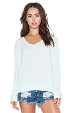 Essential Baggy Beach V Neck Tee in Pool Dip