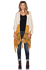 Cross My Heart Poncho en Beige & Camel