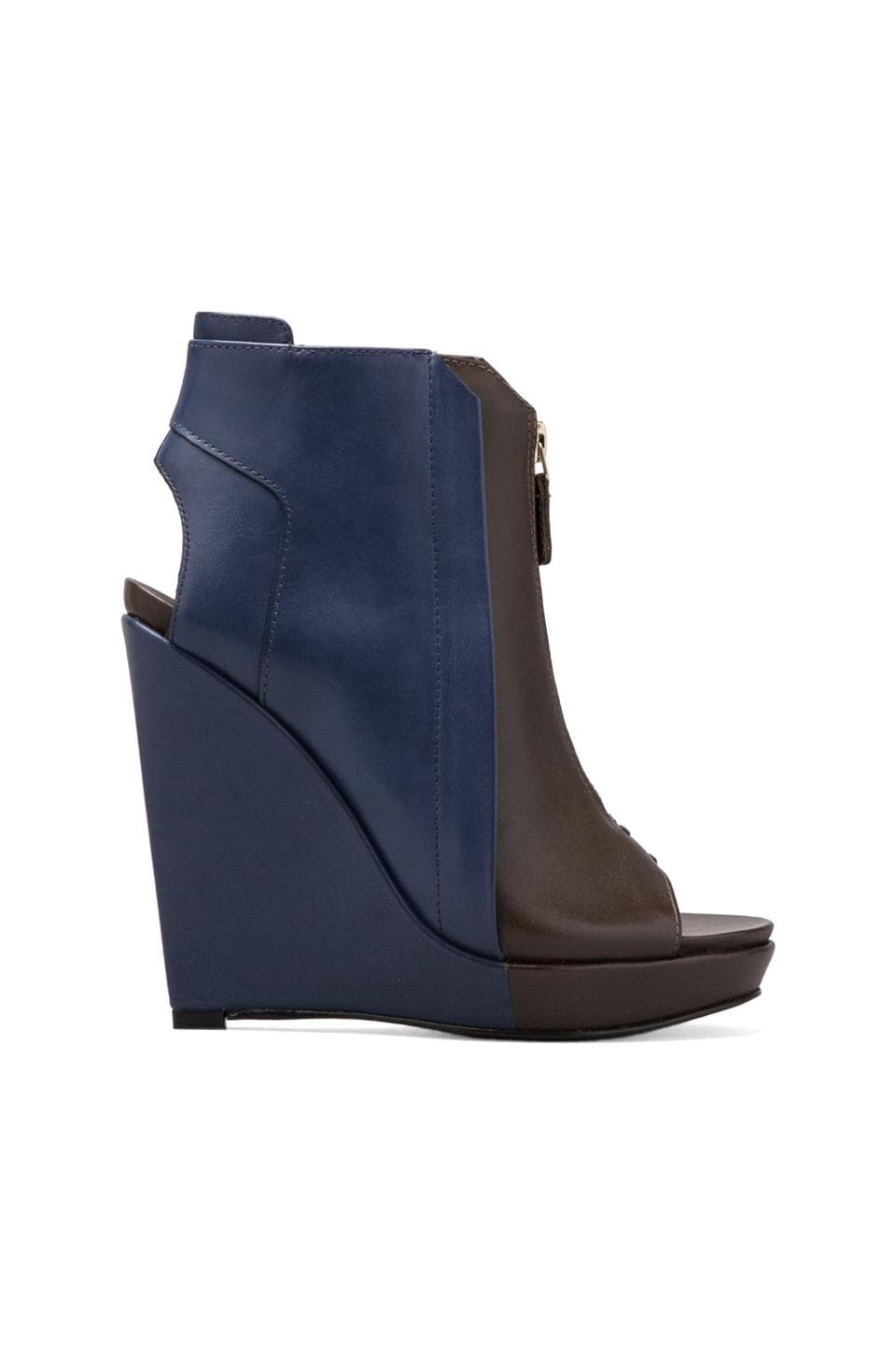 DEREK LAM 10 CROSBY Gen Wedge in Brown/Navy