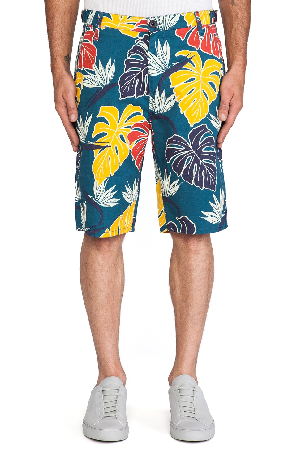10 Deep Birds of Paradise Short in Blue