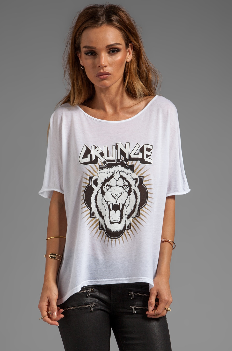 291 Grunge Lion Oversized Hi Low Tee in White