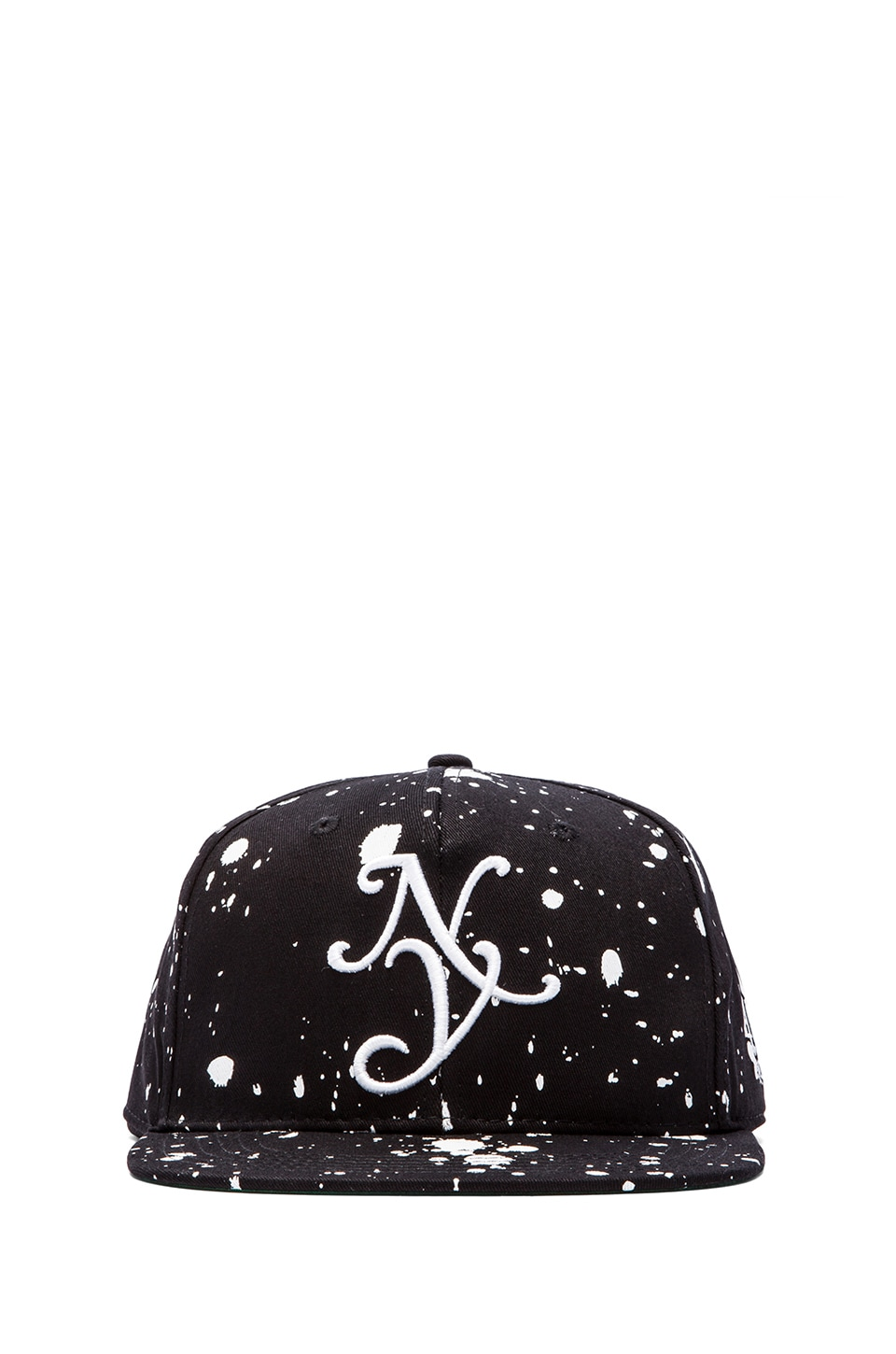 40 OZ NY Splatter Cap in Black