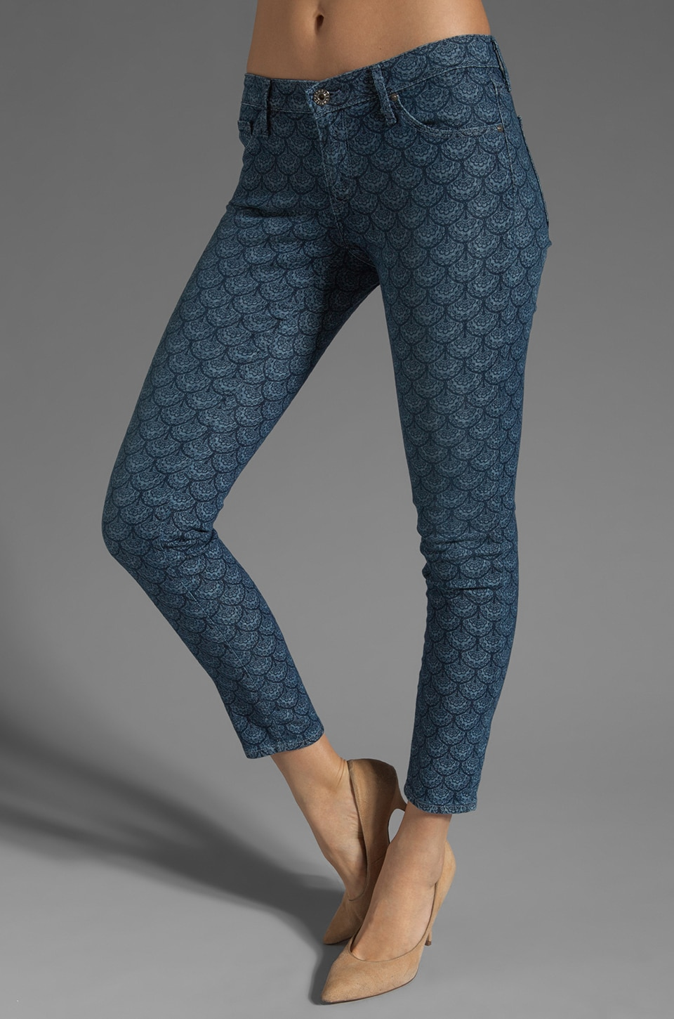 AG Adriano Goldschmied The Legging Ankle in Scallop Light Blue