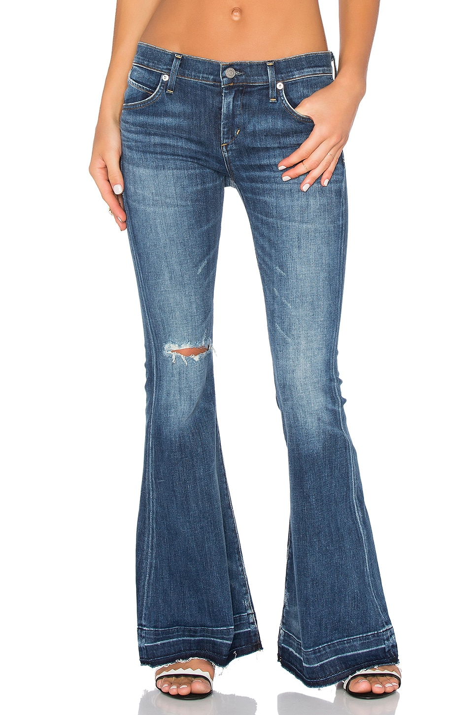 AGOLDE Madison 70's Flare Petite in Starwood Distressed