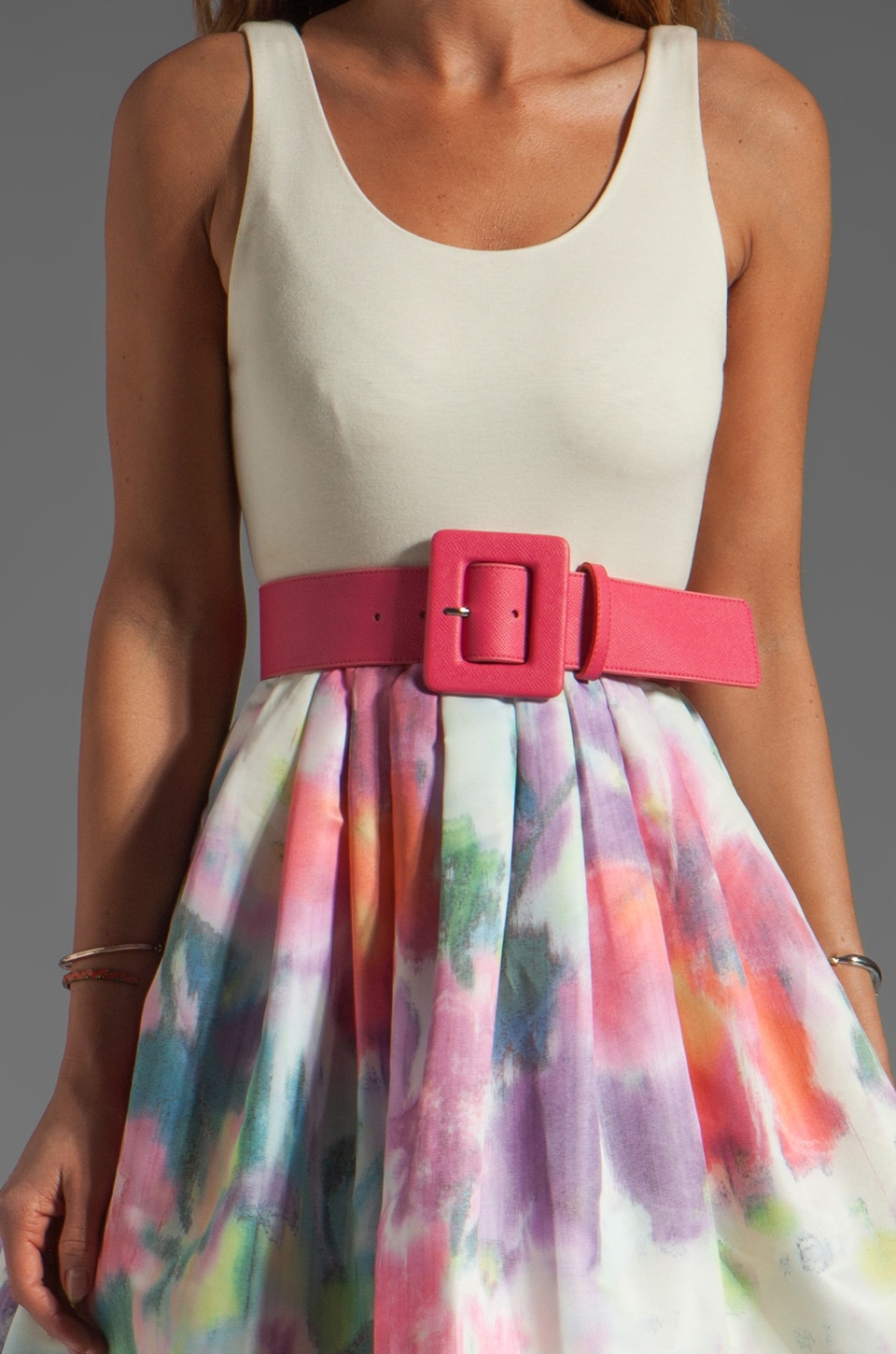 Alice + Olivia Omega Flower Puff Dress with Belt in Antique