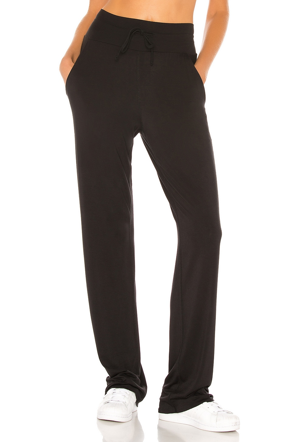 alo Extreme High Waist Cinch Pant in Black