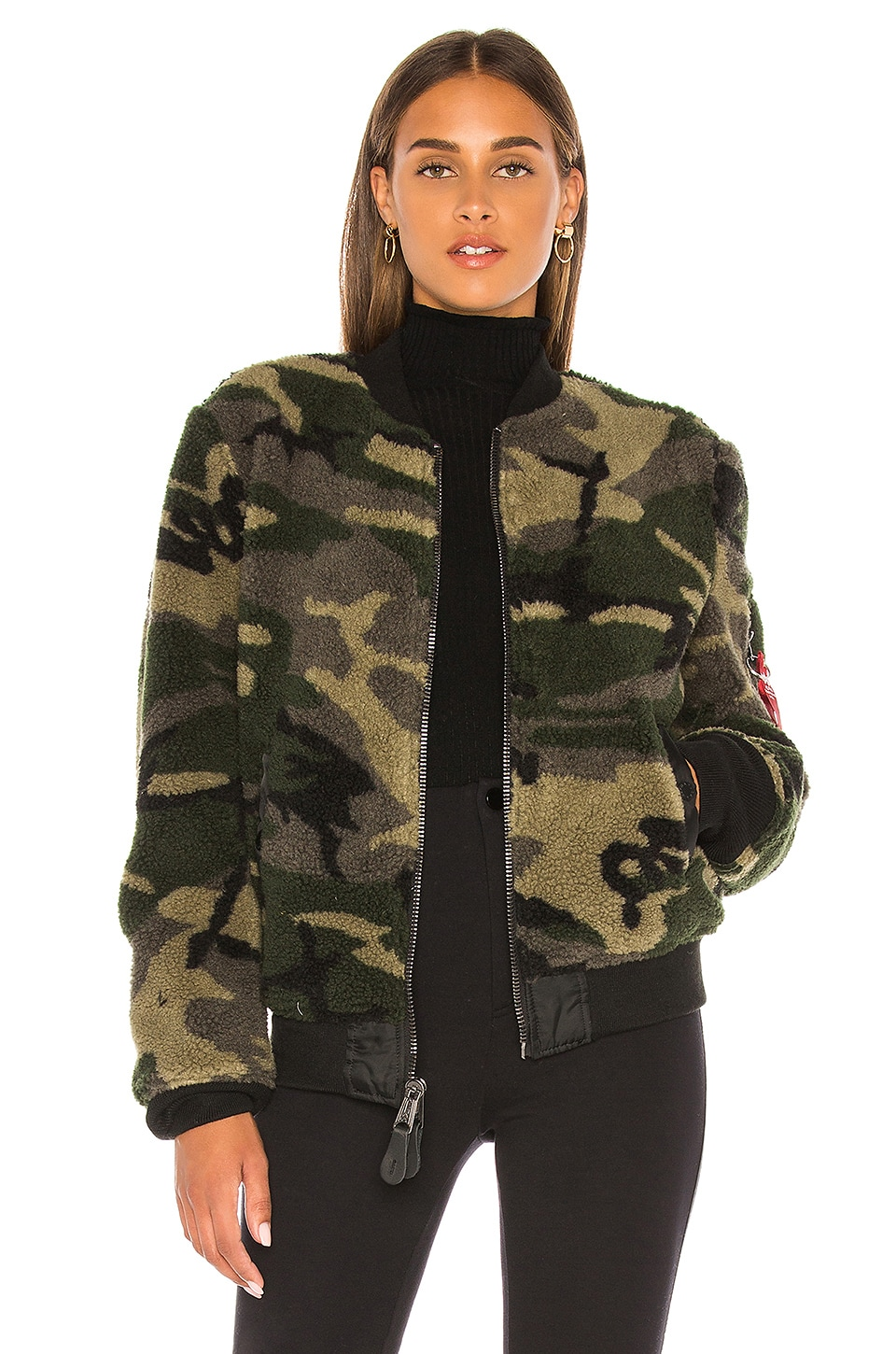 ALPHA INDUSTRIES I-2B Sherpa Flight Jacket en Woodland Camo