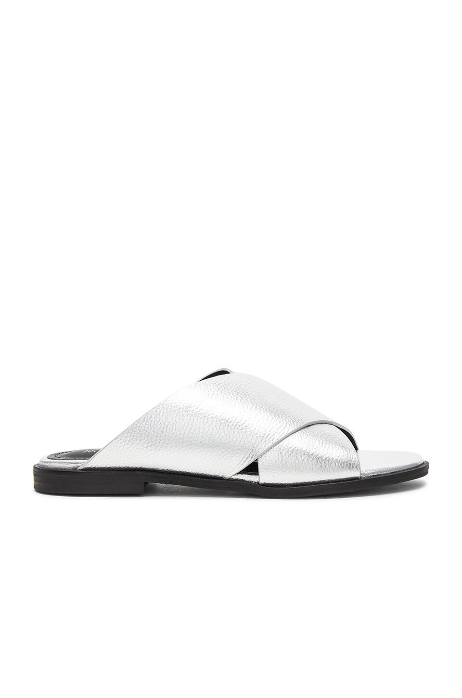 Thesis Sandal
