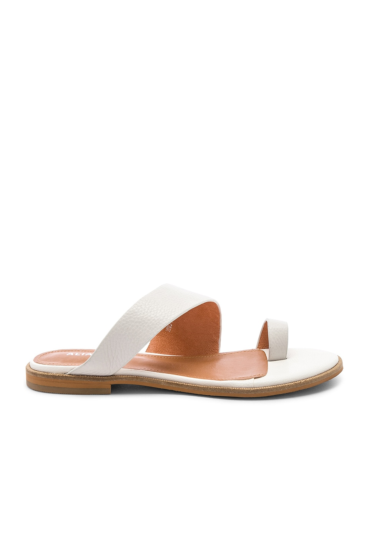 Alias Mae Thalissa Sandal in White