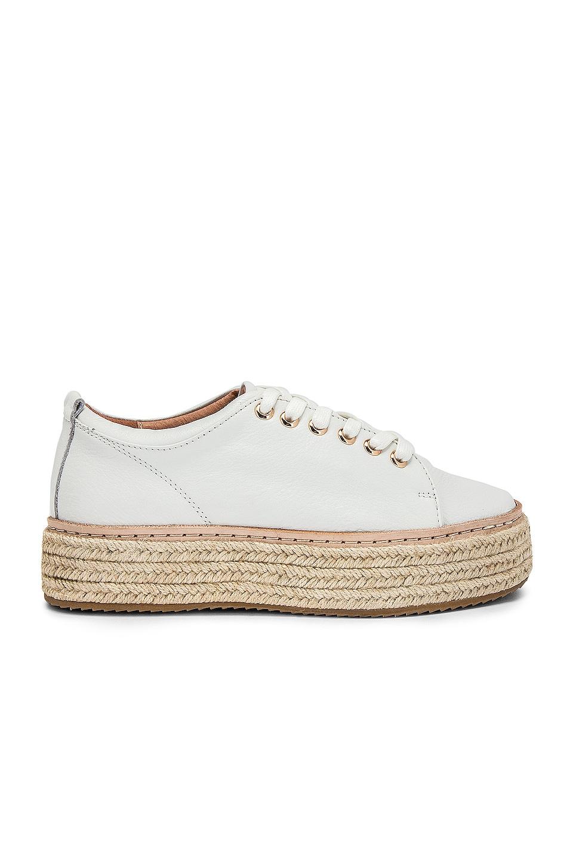 Alias Mae Hannah Sneaker in White