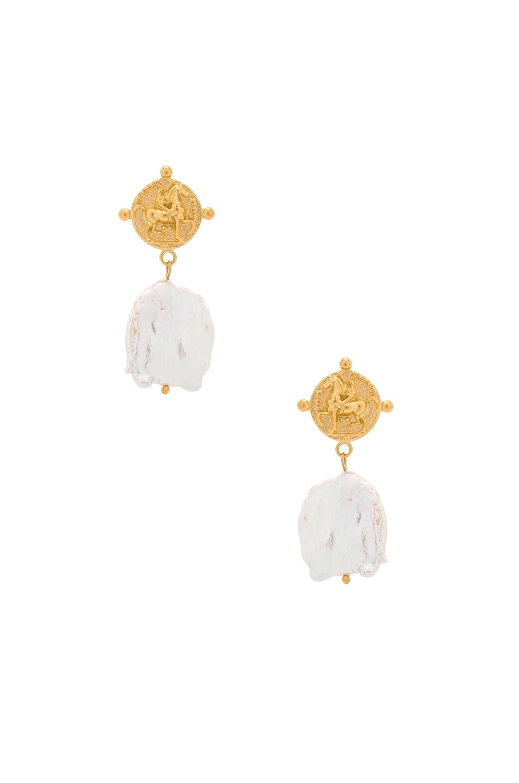 Amber Sceats Nate Earrings in Gold & Pearl
