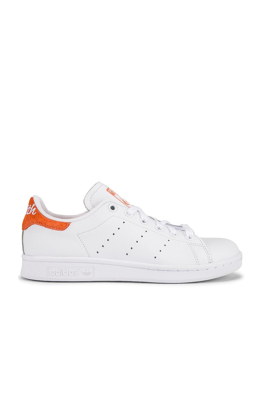 adidas Originals Stan Smith in White, Coral & White