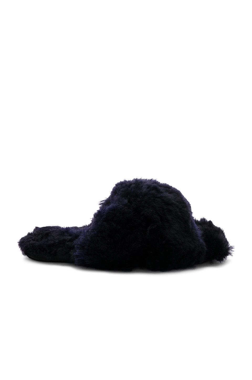 Criss Cross Fur Slipper