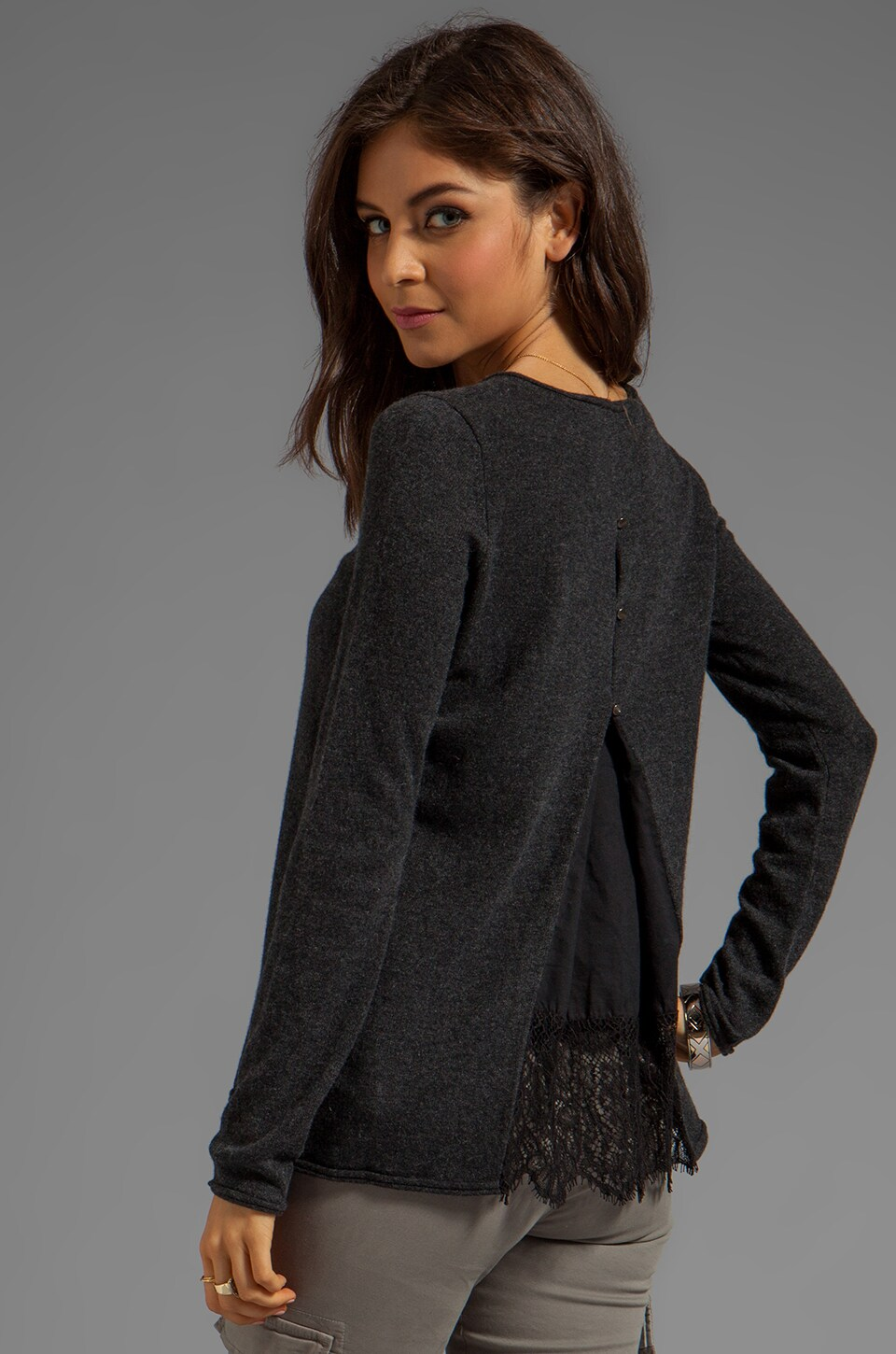 Autumn Cashmere Crew With Lace Pleat Pullover in Pepper