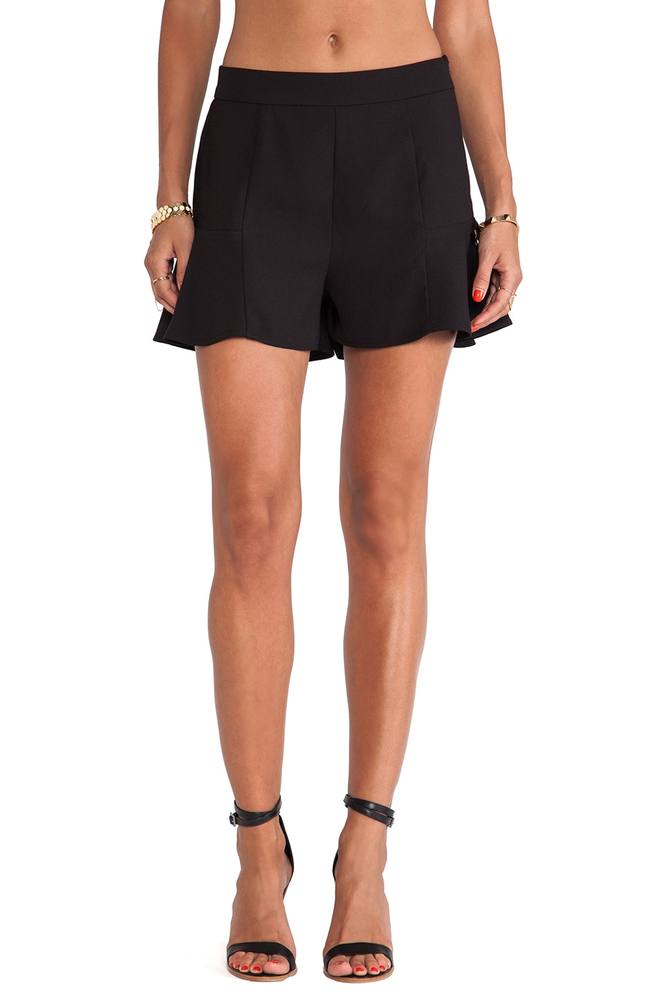 BB Dakota Dewey Ruffel Short in Black