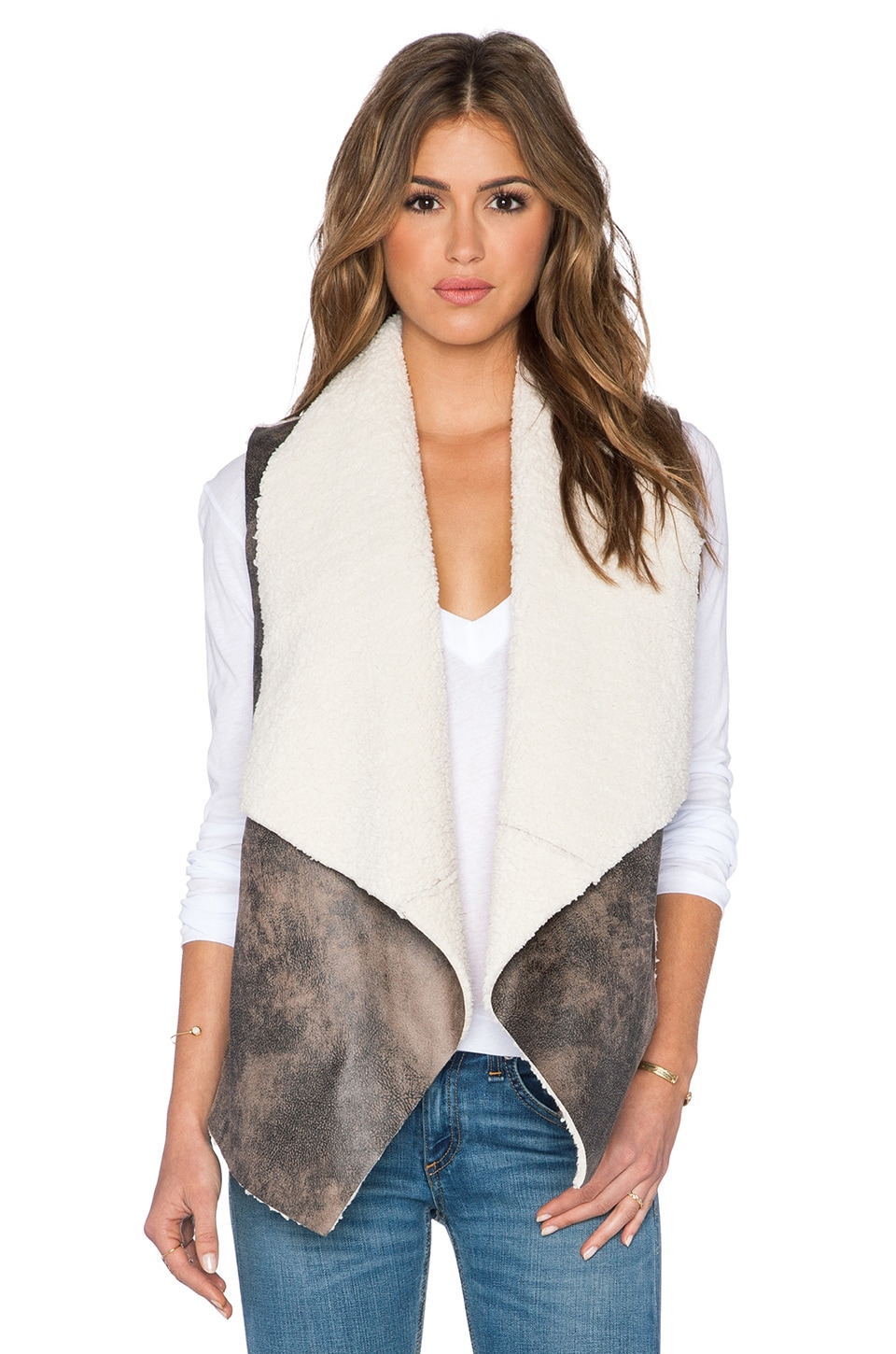 BB Dakota Dobry Vest in Dark Taupe
