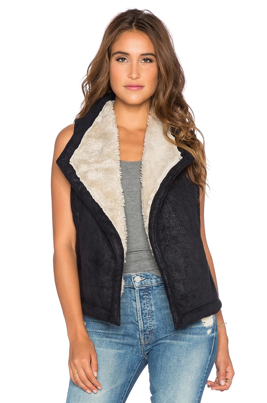BB Dakota Wavery Vest with Faux Sherpa Lining in Black