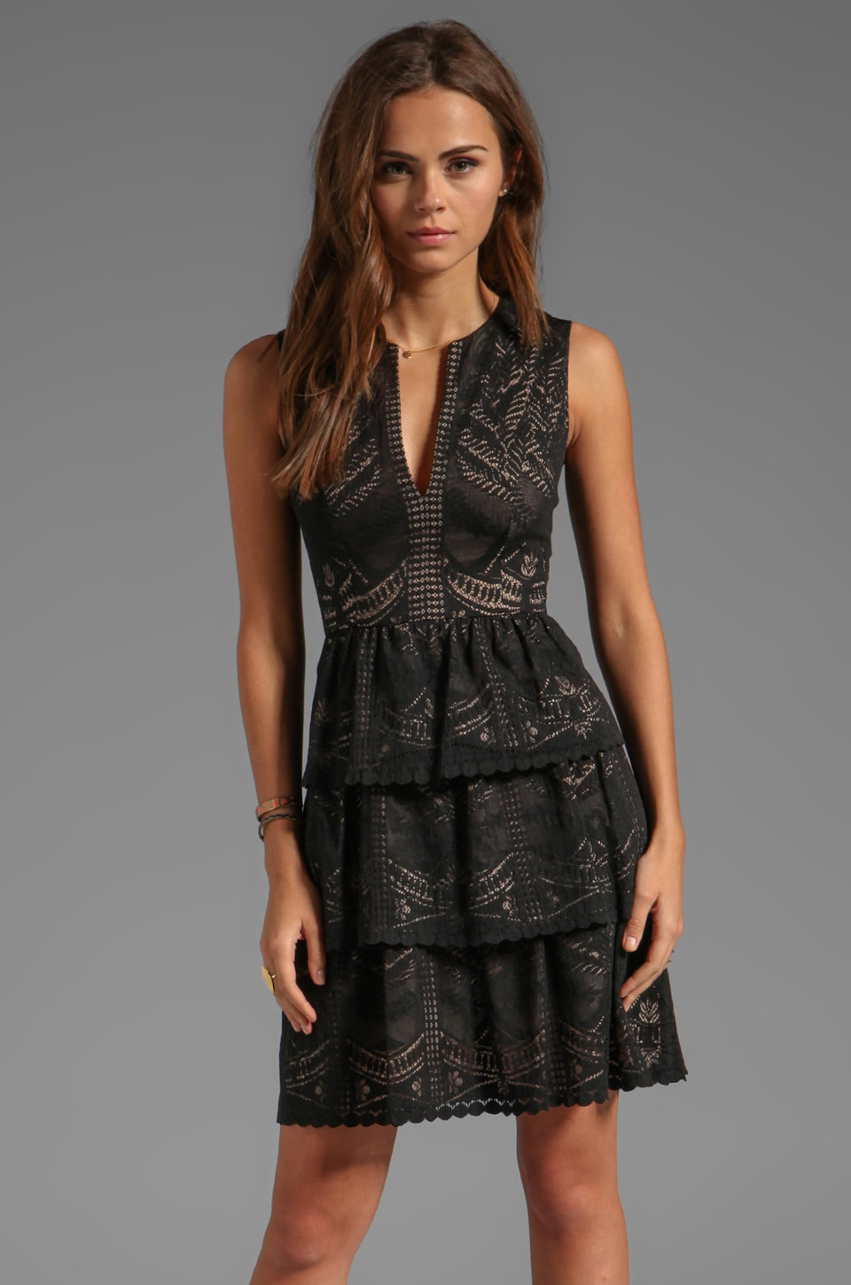 BCBGMAXAZRIA Sleeveless Lace Dress in Black